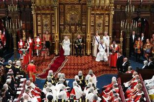 英政府、10月離脱「優先課題」