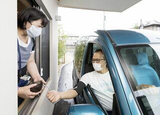 """診療も""""ドライブスルー"""" 佐賀県内の病院、薬局で利用増 患者負担や感染リスク軽減"""