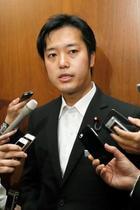 丸山穂高氏、議員辞職重ねて否定