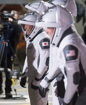 星出さん、米宇宙船で出発