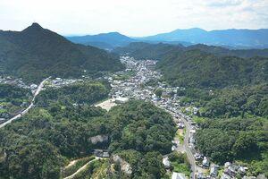 有田内山の景観(東から)