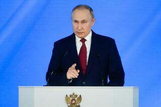 プーチン氏、首相更迭