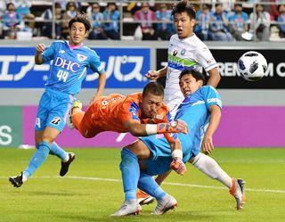 サガン、猛攻不発遠いゴール 湘南に0-1