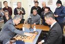 橋口さん(武雄市)プロに勝利 新春囲碁