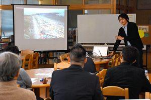 海洋ゴミの現状など10のテーマで発表があった松楠庠舎研修会=唐津市の第一中