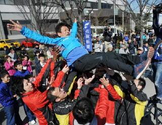 5連覇果たした小城・野田監督 有終の美、笑顔で勇退
